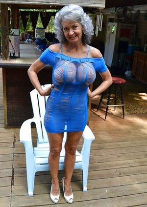 Dress Porn Pics