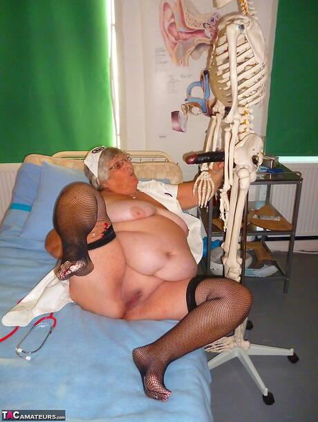 Older Women Porn Pics